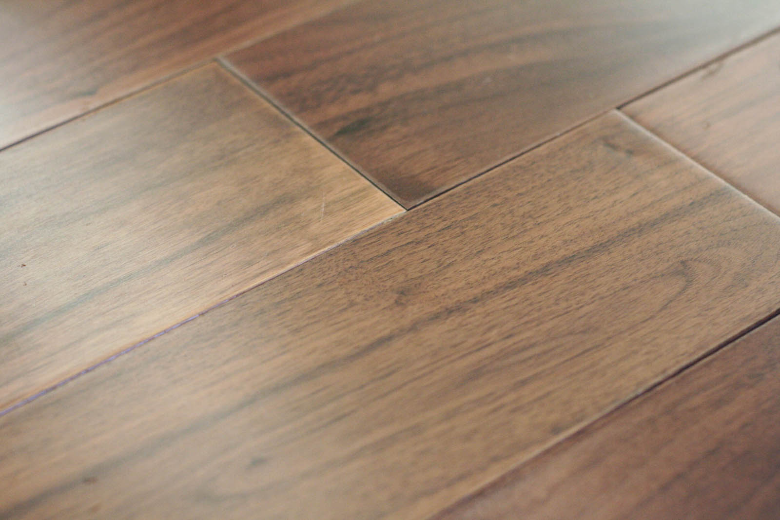 Engineered hardwood floors stain engineered hardwood floors for Floating hardwood floor