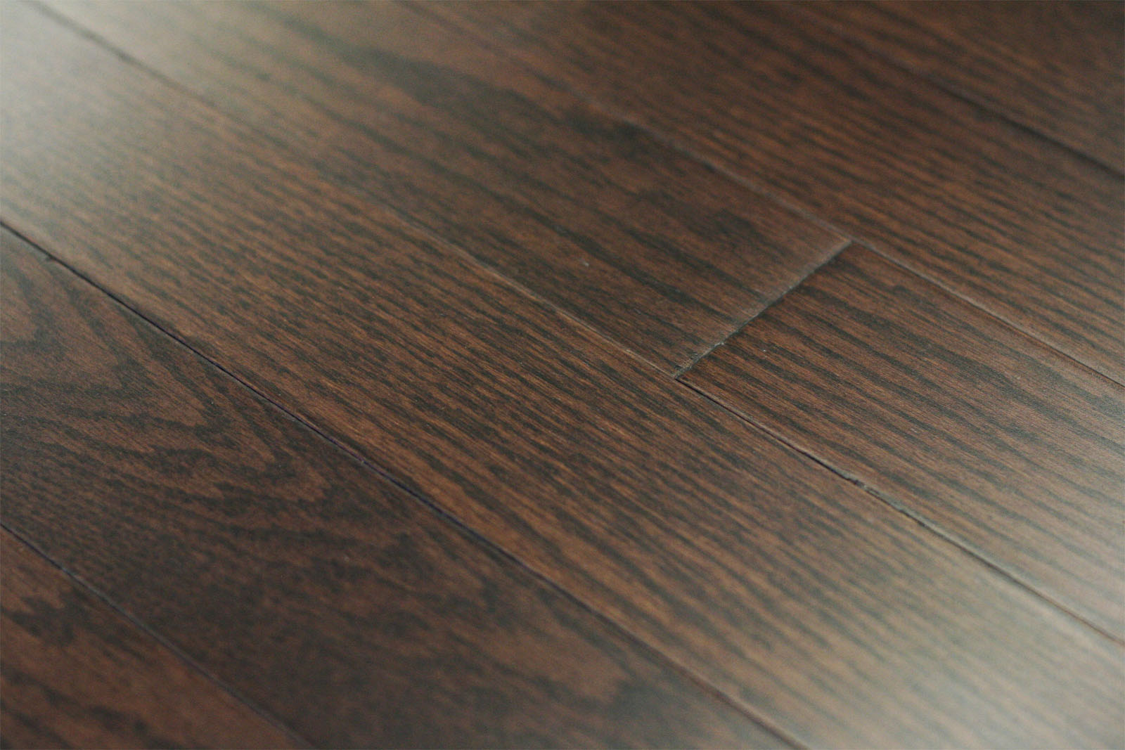 Red oak wood brut stain 3 wood stains for Engineered oak flooring
